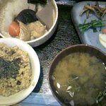 身土不二 - 料理写真:玄米定食「旨煮」700円