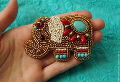 """Купить Брошь """"Индийский слон"""" - золотой, слоник, брошь слоник, брошь с бирюзой, брошь с кораллом"""