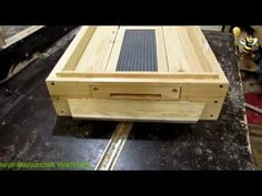 Langstroth Hive, Bee House, Pallet Designs, Bee Keeping, Honey Bees, Make It Yourself, Beehive, Garden, Youtube