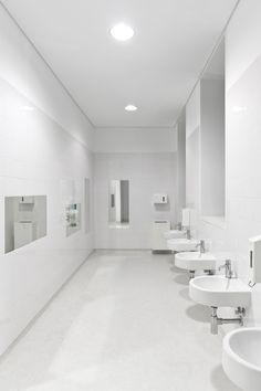 MEDICLINICS | Centro Escolar das Antas © Fernando Guerra Bathroom Lighting, Mirror, Furniture, Home Decor, Paper Towels, Soap Dispenser, Coat Hanger, War, Centre
