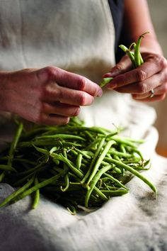 we still grow green beans & can them to this day! nothing like home grown green beans w/new potatoes! Country Farm, Country Life, Country Living, Antipasto, Vie Simple, Vida Natural, Farms Living, Bbq Ribs, Southern Comfort