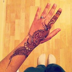 #henna #floral #glitter