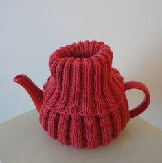Free knitting pattern for Teapot Turtleneck tea cozy