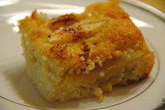 Oppskriften på denne eplekake fant jeg i et ukeblad for mange år siden. Det er oppskrift på en eplekake i langpanne, som blir kjempe saftig,... Apple Cake, Cakes And More, Cheesecakes, Cake Cookies, Cornbread, Macaroni And Cheese, Nom Nom, Cake Recipes, French Toast
