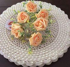 Oi....todas as cores e flores para a primavera 🌸 . Bom dia pessoas lindas!!!🌺💐🌷🌸🌹 . . Sousplatscroche com pérolas para embelezar a sua mesa👏🏼👏🏼❤️❤️ . Faça a sua encomenda 👍🏼 . ❌Sousplatscroche com pérolas ➡️50 reais a unidade . . #Bomédia #arteemlinha #crochet #crocheting #perolas #sousplat #sousplatscroche #mesalinda #meseiras #meseirasassumidas #meseirasparaibanas #mesaposta #mesahits #instagram #homedecor #recebercomestilo #receberbem #recebercomcharme #tablet #table...