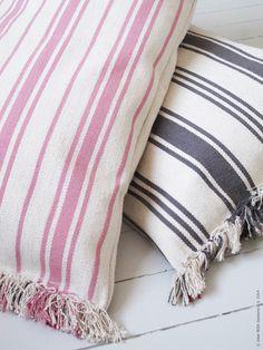 Cojines con alfombras ikea