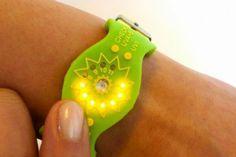 SunFriend - wristband for healthy sun exposure