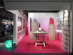 Apoliva pop-up store by Kollo, Stockholm – Sweden » Retail Design Blog The soft gradient (in any color) could be a nice element