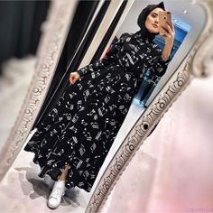 Guncellendi sipris ve bilgi icin dm den yazınız Hijab Fashion, Fashion Dresses, Nail Fashion, Hijab Chic, Cute Beauty, Mode Hijab, Modest Outfits, The Dress, My Wardrobe