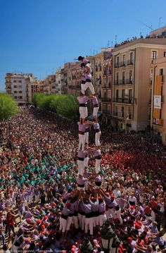Take a trip to Tarragona and experience the building of the incredible human castells!