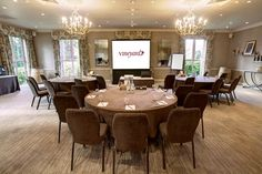 5 star luxury #venue in #Berkshire has a number of meeting rooms to suit your needs and can accommodate up to 160 people in it's largest conference room, the California Suite.