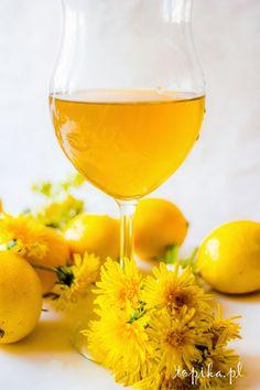 Dandelion Wine, Blue Curacao, Polish Recipes, Irish Cream, Edible Flowers, Mellow Yellow, White Wine, Preserves, Alcoholic Drinks