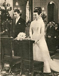 French Royal and Imperial Jewels Royal Marriage, Wedding Bride, Wedding Dresses, Princess Anne, Isabelle, Southern Italy, Royal Jewels, Royal Weddings, Grace Kelly