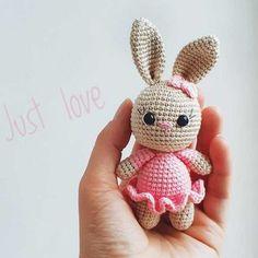 Amiguroom Toys   Free amigurumi patterns Crochet Bunny Pattern, Crochet Amigurumi Free Patterns, Plush Pattern, Cute Crochet, Crochet Toys, Crochet Baby, Cute Alpaca, Bunny Toys, Sewing Toys