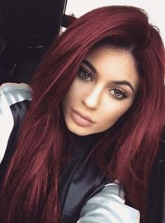 I'm pretty sure kylie never had this hair color (photoshopped) but I still like the color 😍