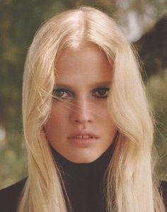 Model: Lara Stone