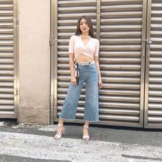 Nadine Lustre Ootd, Nadine Lustre Outfits, Filipina Actress, Jadine, Best Actress, Woman Crush, Casual Chic, Perfect Fit, Mom Jeans