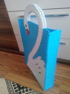 Kuğulu keçe çanta