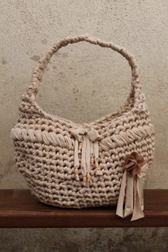 Silvia's bags, crochet bag/borsa di fettuccia lycra beige.