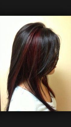5 Black Red Hair Color You Must Consider Maroon Hair Colors, Red Hair Color, Black Hair With Highlights, Hair Color Highlights, Chunky Highlights, Caramel Highlights, Red Peekaboo Highlights, Peekaboo Color, Partial Highlights