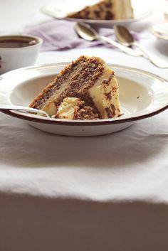 walnut vanilla cake