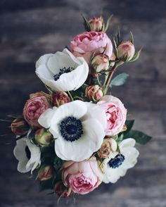 https://www.instagram.com/p/BP7ANTcAa_z/?taken-by=lightpoem Jolie Fleur, Poppy Flower Bouquet, Pink Bouquet, Anemone Bouquet, Anemone Flower, Poppy Flowers, Peony Bouquet Wedding, Flowers Nature, Fresh Flowers
