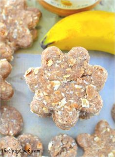 Wholesome doggie treats with peanut butter, oats, and banana.