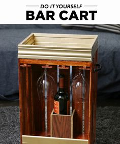 Impress friends with your bar cart—even in a small apartment! This DIY crate…