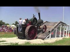 Oklahoma Steam Threshing and Gas Engine Association Show. 40 HP J I Case Case Incline Antique Tractors, Old Tractors, Antique Cars, Antique Tools, Old Farm Equipment, Heavy Equipment, Triumph Motorcycles, Ducati, Mopar