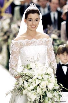 25 wedding dress in movie of The Princess Diaries 2 Royal Engagement Movie Wedding Dresses, Wedding Robe, Wedding Movies, Lace Wedding Dress, Princess Wedding Dresses, Wedding Gowns, Wedding Scene, Famous Wedding Dresses, Wedding Night
