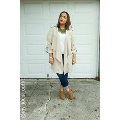 Fall outfit!  #friyay #ootdshare #ootd #fall #fashiondiaries #fashionpost #instafashion #instalook #lookbook #style #summertofall #outfitsinspiration #outfitsideas #fashionlover #colorcombo #blogger #mycloset #momblogger #fashionblogger #instafashion