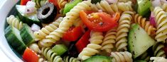Easy and Healthy Greek Pasta Salad Recipe with Feta Easy Summer Salads, Summer Recipes, Greek Salad Pasta, Deli Food, Cooking Recipes, Healthy Recipes, Free Recipes, Pasta Salad Recipes, Recipe Pasta