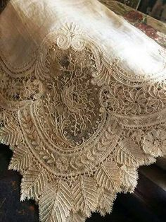 antique lace handkerchief--- Just beautiful.I love lace. Needle Lace, Bobbin Lace, Crazy Quilting, Antique Lace, Vintage Lace, Victorian Lace, Vintage Room, Vintage Kitchen, French Vintage