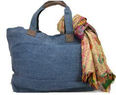 jute & leather tote bag, perfect for weekend getaways!