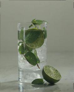Unser beliebtes Rezept für Gin-Tonic mit Minze und mehr als 55.000 weitere kostenlose Rezepte auf LECKER.de.