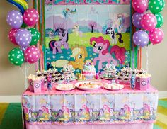 Resultado de imagen para my little pony birthday party decoration ideas Bolo My Little Pony, Fiesta Little Pony, Festa Do My Little Pony, My Little Pony Craft, My Little Pony Birthday Party, 5th Birthday Party Ideas, Birthday Party Centerpieces, Birthday Decorations, Pinky Pie