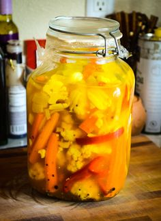 Pickled Cauliflower Recipe @ http://majamaki.com/2012/06/pickled-cauliflower/