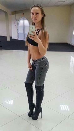 Come fuck me boots/heels and other sexy things Sexy Jeans, Skinny Jeans, Non Blondes, Elegantes Outfit, Hot High Heels, Sexy Boots, Up Girl, Looks Cool, Thigh High Boots