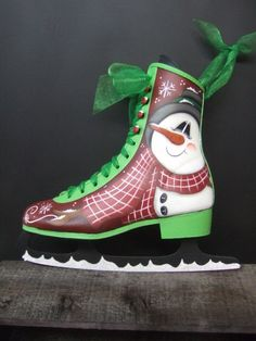 Items similar to 12013 Frosty Skate Pattern Oil Creek Originals on Etsy Christmas Projects, Holiday Crafts, Christmas Ideas, Christmas Decor, Holiday Decor, Painted Ice Skates, Painted Snowman, Christmas Paintings, Snowmen Paintings