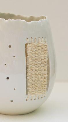 porcelain and wool table lamp - by Thread&Throws  이걸 하나의 공간이라고 생각하고 봐