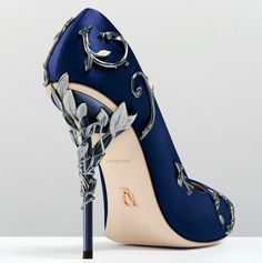 Ralph & Russo Eden Pump Midnight blue colour Satin Gunmetal colour leaves 12cm heel Leather outsole Made in Italy
