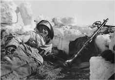 Fallschirmjäger in a makeshift position on the eastern front. Early 1943