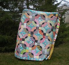 pickle dish, gypsy kisses, eyelash quilt - all pattern names apply - photo from Molly Flanders blog