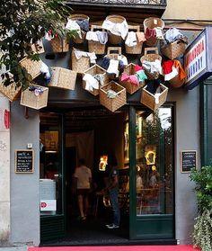 CiB Comercios Innovadores de Bilbao  » Archivo   » DecorAcción 2013, una bonita iniciativa de arte y dinamización comercial en Madrid