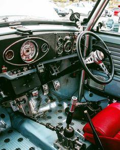 Red Mini Cooper, Mini Cooper Classic, Classic Mini, Classic Cars, Cooper Car, Cool Old Cars, Morris Minor, Rally Car, Commercial Vehicle