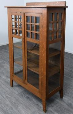 Stickley style mission Oak cabinet