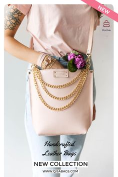 Spring is here! So are our new Designs! The color we've been all waiting for and our newest Design! The most Minimalist and yet very unique leather handbag in our collection. The ultimate everyday, stylish accessory to every womens wardrobe. We' are in love we this Pastel Pink color! Cross Body/ Handbag Design. You can purchase this design with the rose gold chain accessory and in addition use it as a chain handbag as well! Pink Handbags, Leather Handbags, Leather Bags Handmade, Leather Chain, Pink Leather, Pastel Pink, Cross Body Handbags, Pink Color, Leather Crossbody Bag