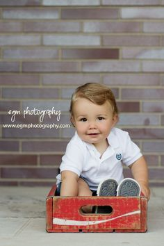 One Year Old Photos, 1 Year Pictures - @Kelli Curran Love This!!!