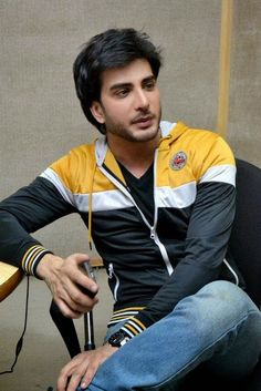 http://www.galaxypicture.com/2016/12/imran-abbas-lollywood-and-bollywood.html
