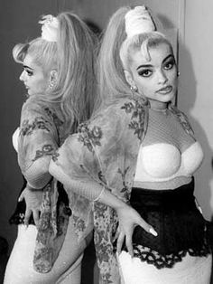 Nina Hagen, Mother of Punk, Mörderstimme Nina Hagen, Punk Rock Girls, Goth Dress, Riot Grrrl, Glamour Photo, Popular People, Club Kids, Badass Women, Art Graphique